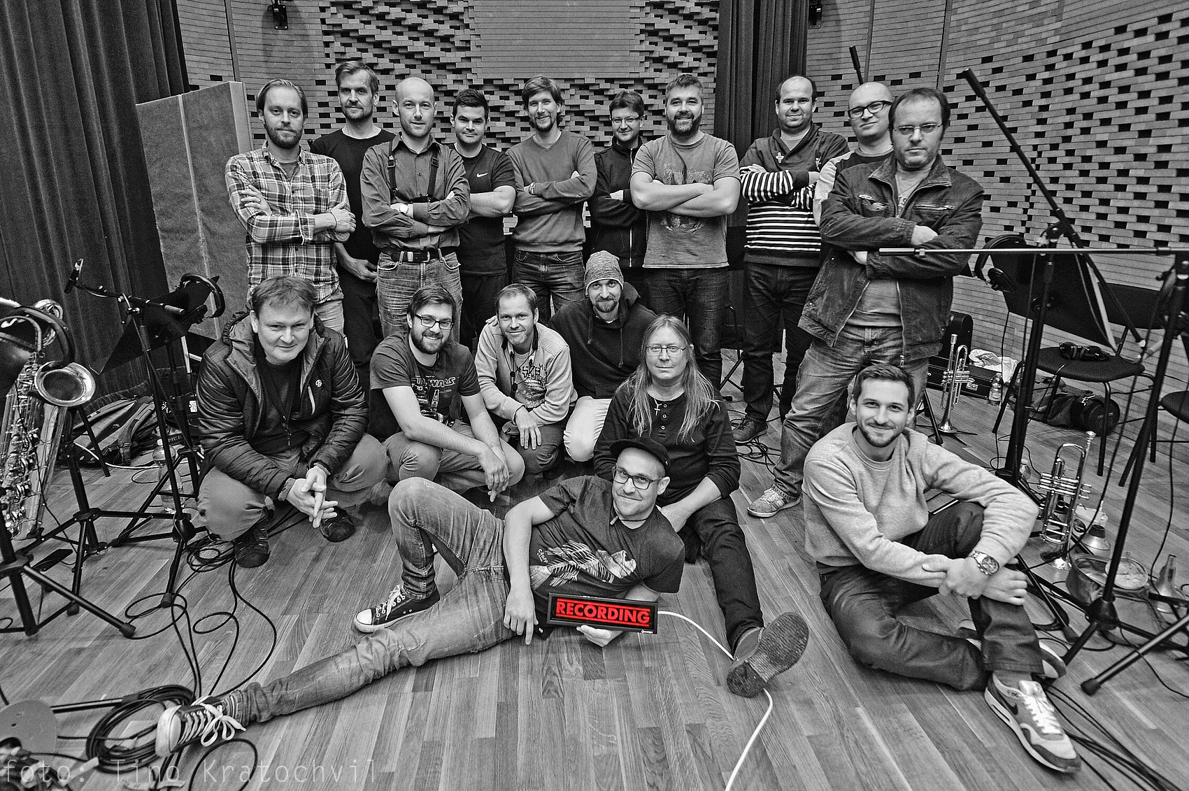 RECENZE: B-Side Band mapuje na desce