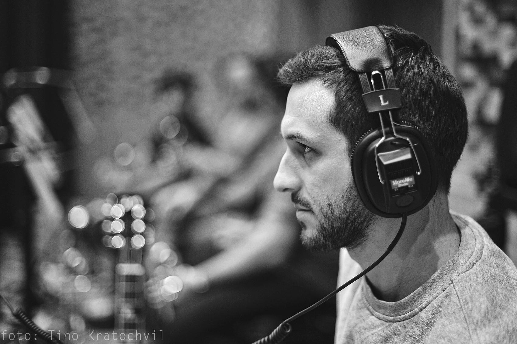 REVIEW: B-Side band bilancuje 10 let se všemi a pro všechny